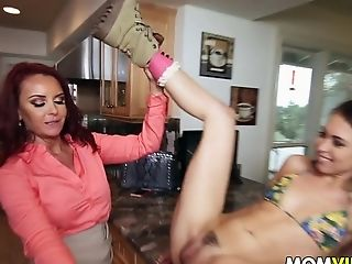 Big Cock, Cougar, Janet Mason, Lesbian, MILF, Mom, Old, Old And Young, Riley Reid, Stepmom,
