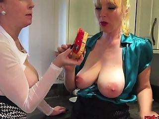 Girlfriend, Lesbian, Licking, Mature, Pussy, Red XXX,