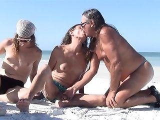 Amateur, Beach, Blowjob, Boobless, HD, Jamie Michelle, Kissing, Shemale, Tranny,