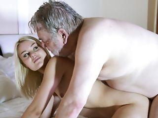 69, Loiras, Gozar, Engolir Esperma, Pênis, Estilo Cachorro, Velho, Velho + Novo , Magras, Adolescente ,