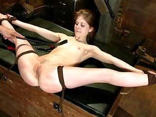 Abuse, Bdsm, Beauté, Bondage , Domination, émo , Extrême, Hardcore , Humiliation, Innocent ,